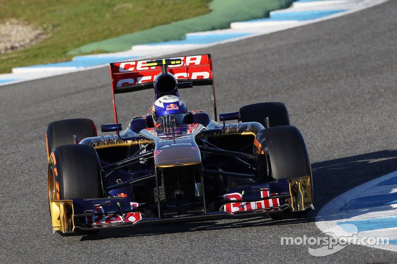 Ricciardo gave the STR8 its official track debut