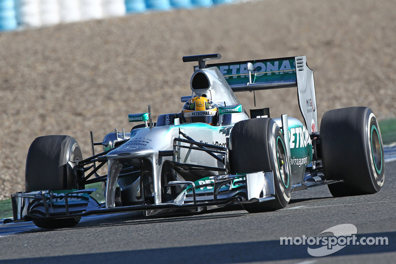 Mercedes can fight top three in 2013 - Lauda