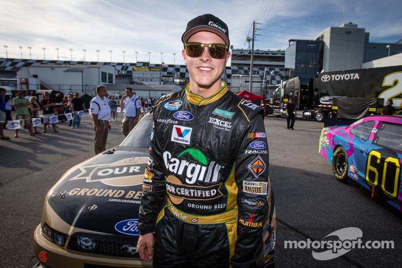Trevor Bayne takes Daytona Nationwide series pole