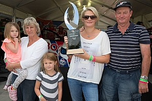 Supercars Breaking news Wife unveils Jason Richards Memorial Trophy at ITM 400 Auckland