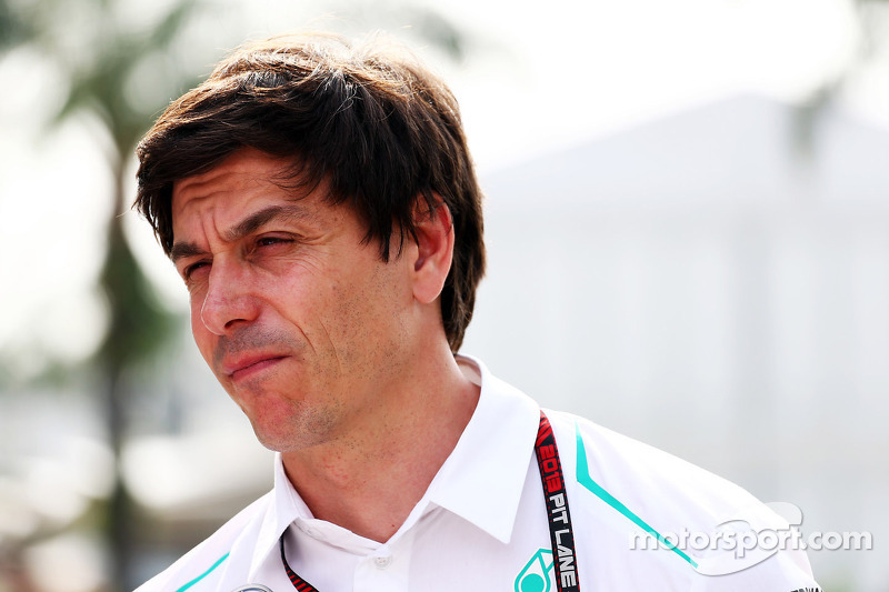Mercedes must win a title soon - Wolff