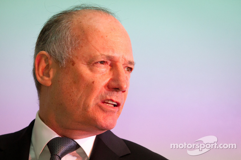 McLaren 'supremo' Dennis demoted - report