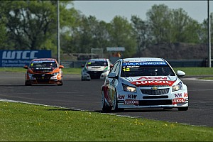 WTCC Race report Muller steals a podium and retains the championship lead in Slovakia