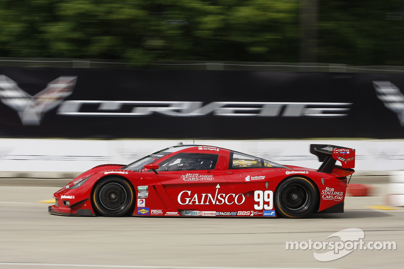 Fogarty qualifies second for Detroit 200