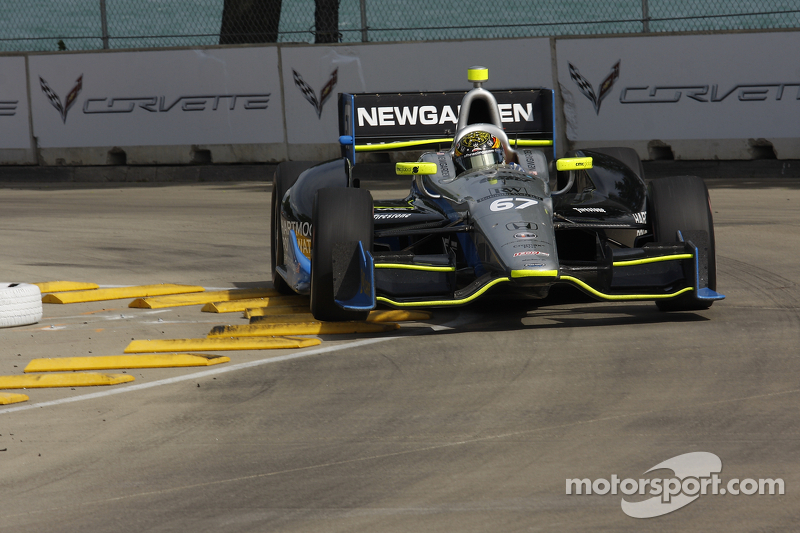"Diligence in first ""Dual in Detroit"" helps Newgarden"