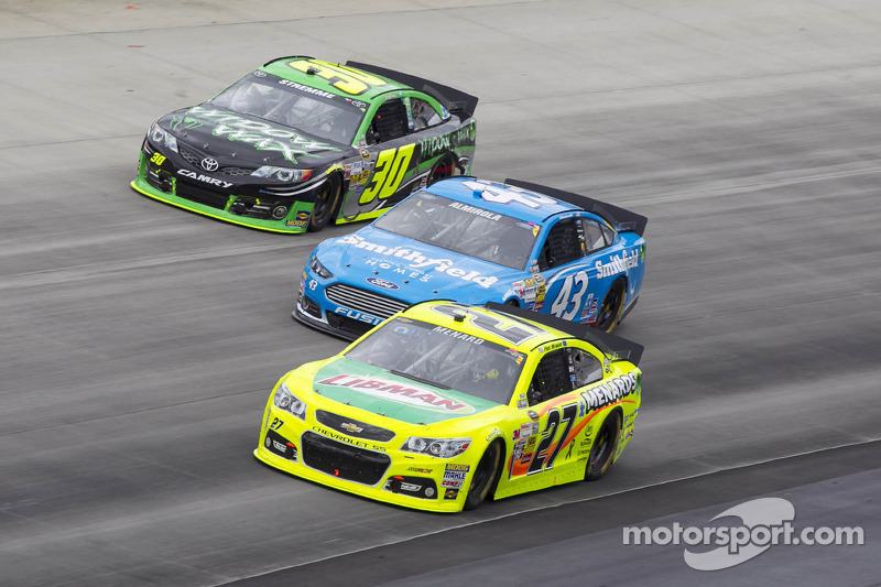 Almirola eyes chase spot at 'tricky triangle'