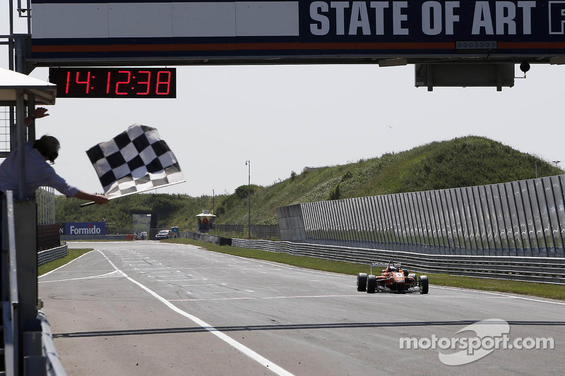 Mücke Motorsport scores third win at the Masters of Formula 3 in Zandvoort
