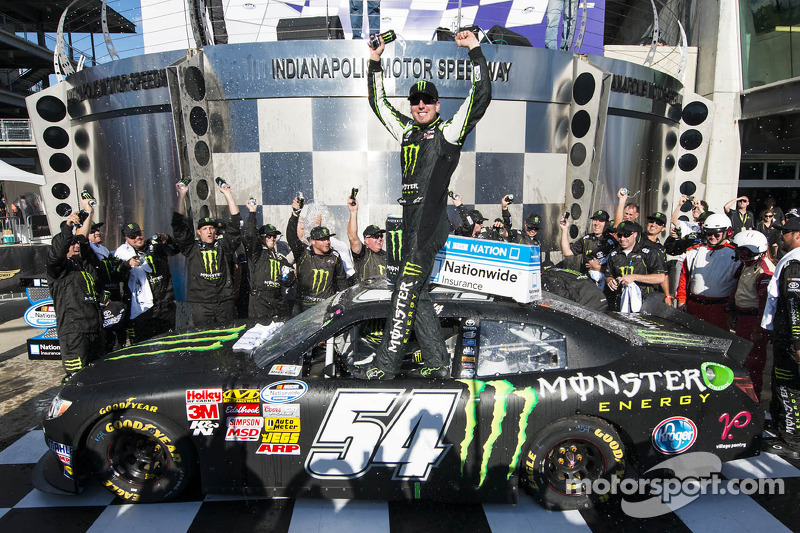 Dominant Kyle Busch wins Indiana 250