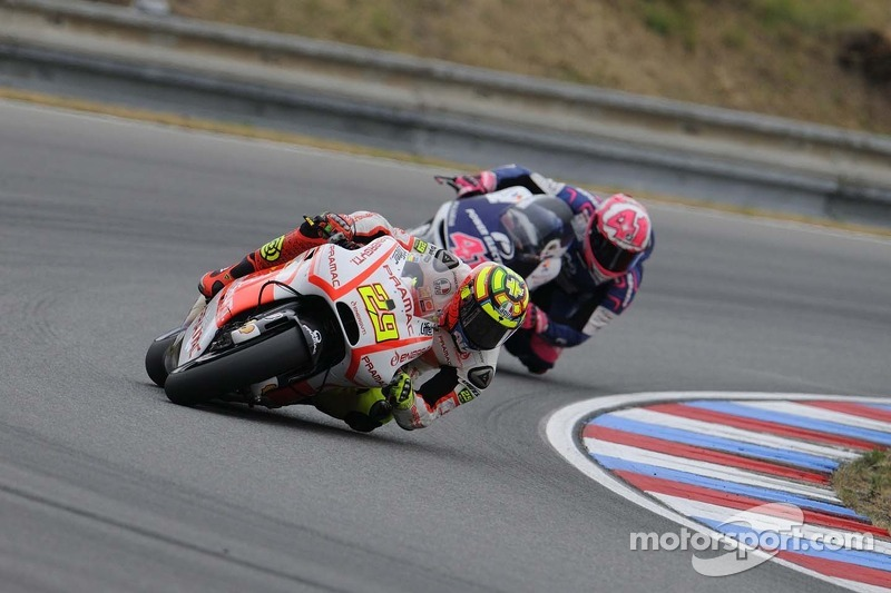 Andrea Iannone places himself in P15 for Japanese GP race