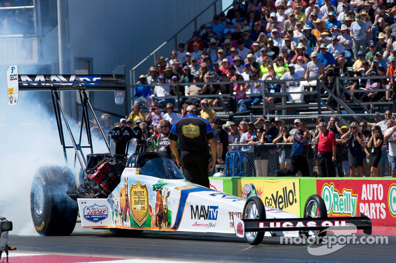 Bernstein looks to repeat as Top Fuel champ at Pomona finale