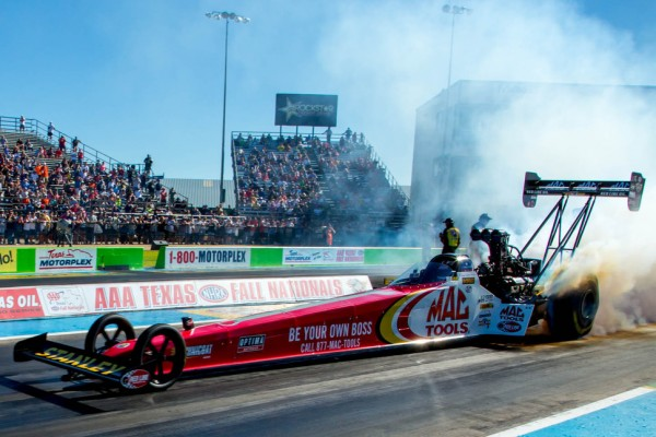 Top Fuel Dragsters are amazing - Infographic