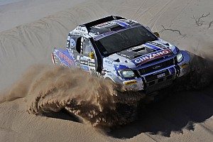 Dakar Stage report Alvarez campaign with a taste of salt