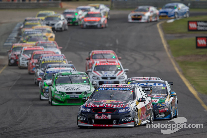 NHRA racer Crampton to attend V8 Supercar race in Australia