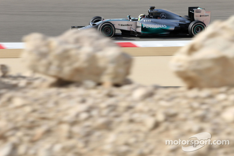Mercedes lead P2 at Bahrain GP with Hamilton in front