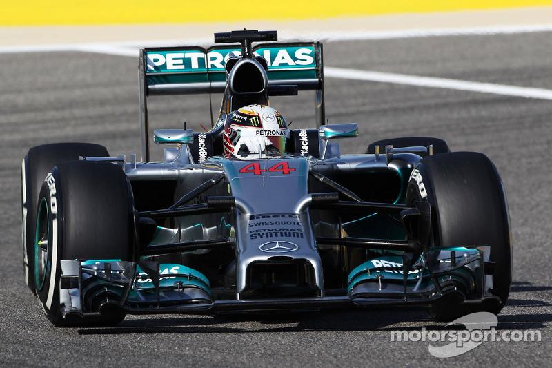 'Boring' F1 hits back with Bahrain bonanza