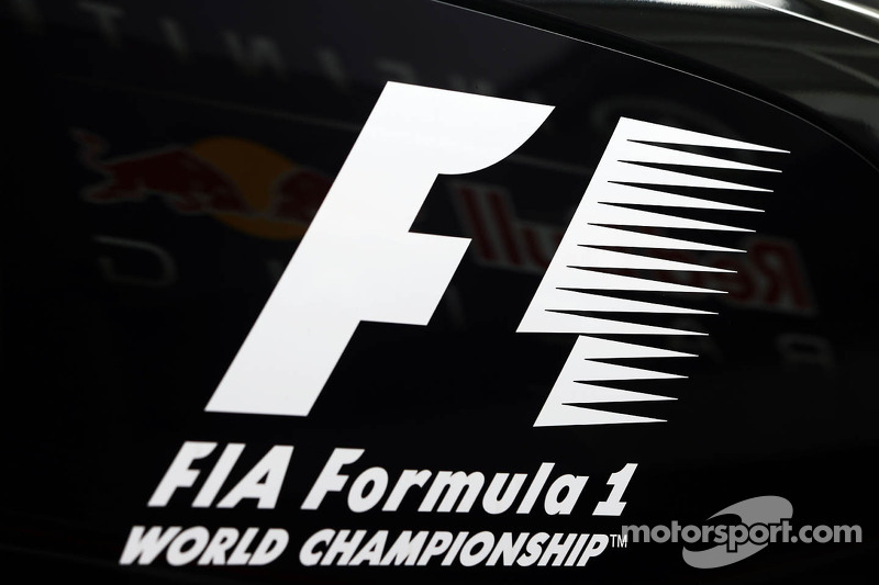 Paid F1 'app' to debut in June - Ecclestone