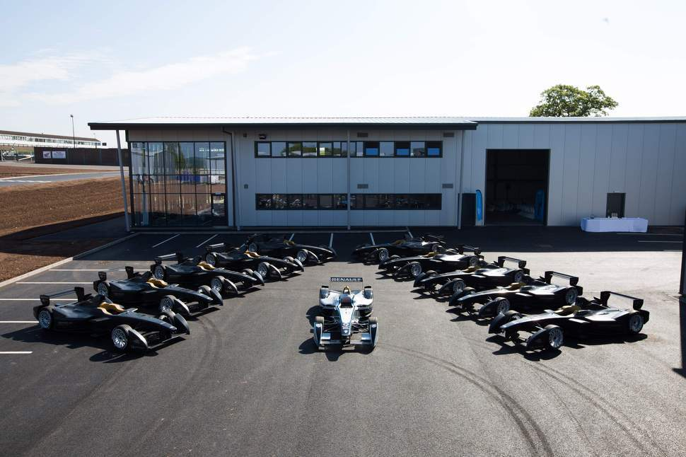 Guide to Formula E testing at Donington Park
