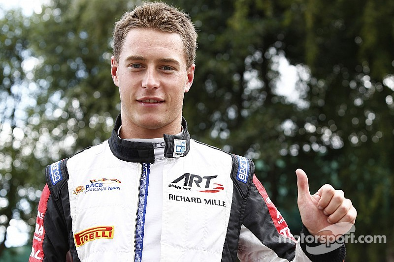 Stoffel Vandoorne claims maiden pole at home