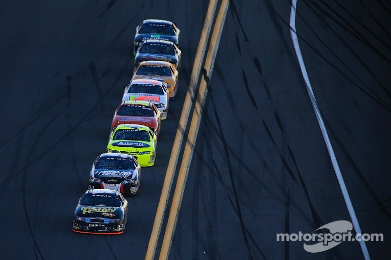 Justin Boston takes control at Madison in Herr's Live Life With Flavor ARCA 200