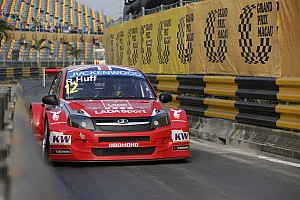 WTCC Race report Rob Huff plays his cards right to achieve record seventh win in Macau