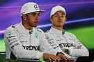 Rosberg hoping pressure gets to Hamilton