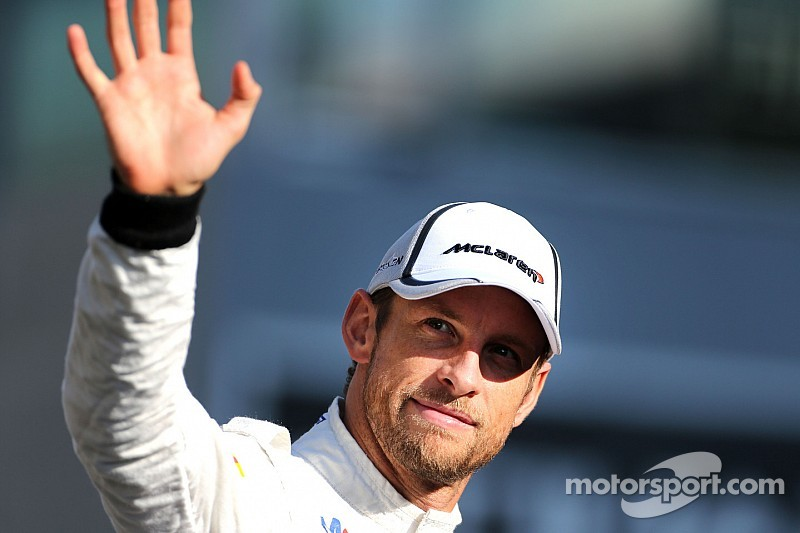 On the last race with Mercedes-Benz engine, McLaren finished 5th and 11th at Yas Marina