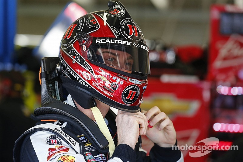 Kevin Harvick settles for second