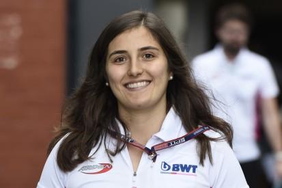 Tatiana Calderon fährt als erste Frau in der Super Formula