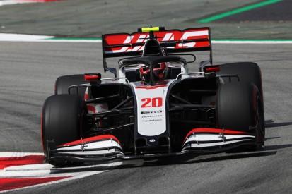 Haas-Fahrer begrüßen Überprüfung der Funkregel