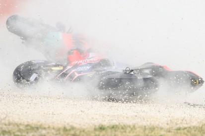 Strafe für Brad Binder: KTM-Fahrer räumt Jack Miller beim Start ab