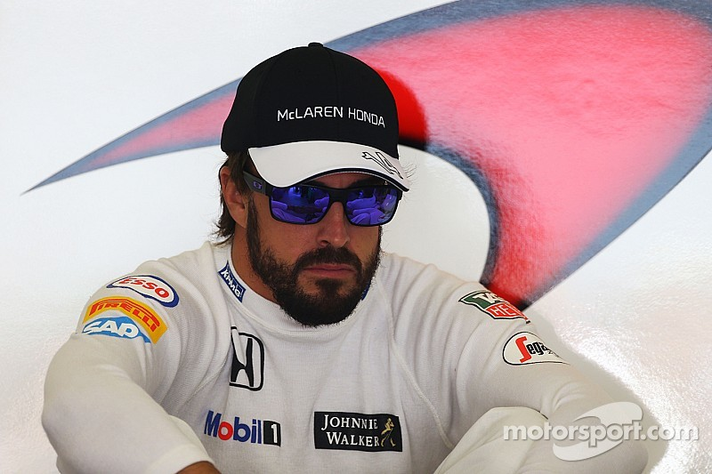 "Un ""egocéntrico"" Alonso fue malo para Ferrari, según Lauda"