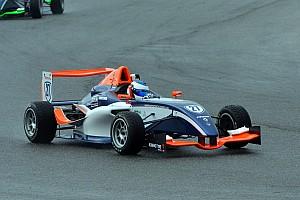 Other open wheel Résumé de course F4 - Alesi attend son heure, Moineault vire en tête