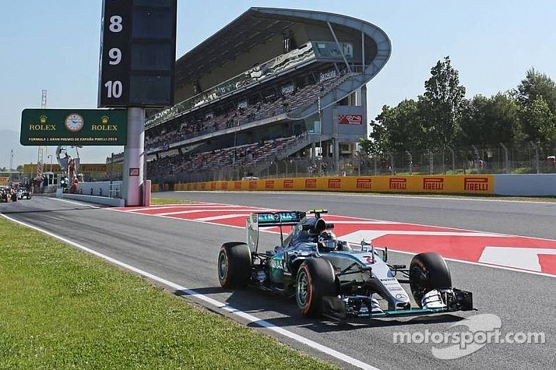 Rosberg leads Mercedes 1-2 in first practice