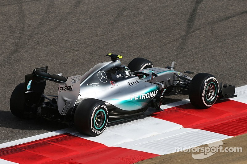 Rosberg lidera el 1-2 de Mercedes en la primera práctica