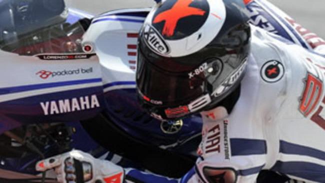Jorge Lorenzo in pista nei test notturni in Qatar