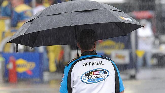 La pioggia colpisce anche a Talladega
