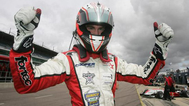 Webb soffia la pole a Vergne a Rockingham