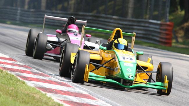 Cinque piloti a contendersi il titolo ad Imola