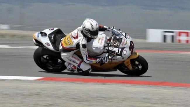 Guintoli si gode il suo primo podio in Superbike