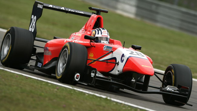 Williamson comanda le Libere 1 al Nurburgring
