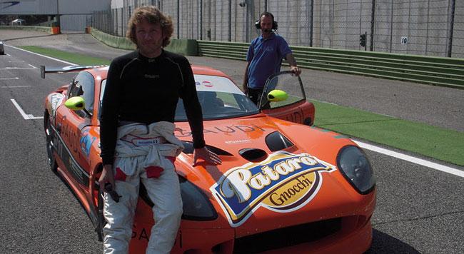 Marco Cassera alla 24 Ore di Dubai con una Ginetta