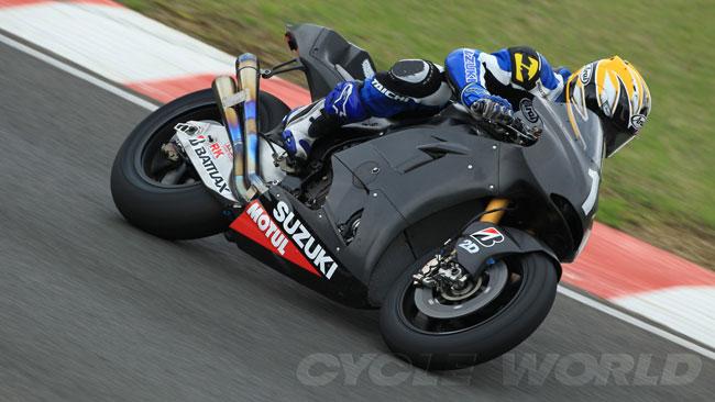Ecco la nuova Suzuki 1000 in azione in pista!