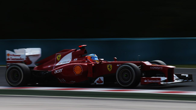 Spa, Libere 3: Fernando Alonso svetta sull'asciutto