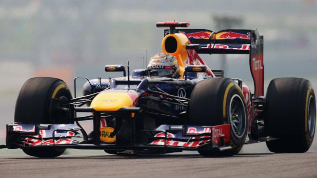Vettel vince in India, ma Alonso resiste