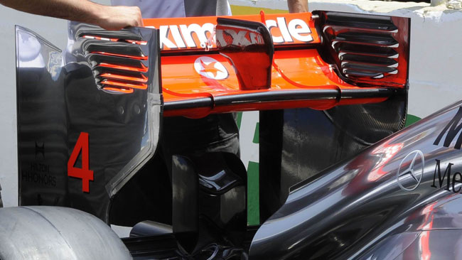 Hamilton vola con l'ala ad alto carico posteriore