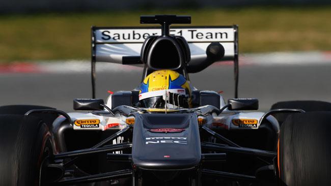 La Sauber mette le orecchie e cambia l'ala dietro
