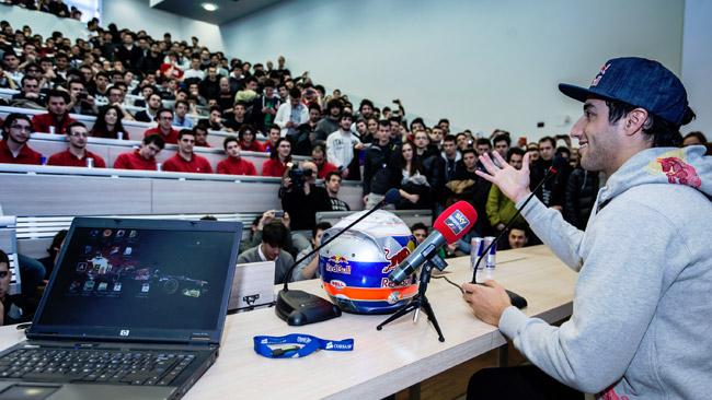 Daniel Ricciardo in cattedra al Politecnico di Milano