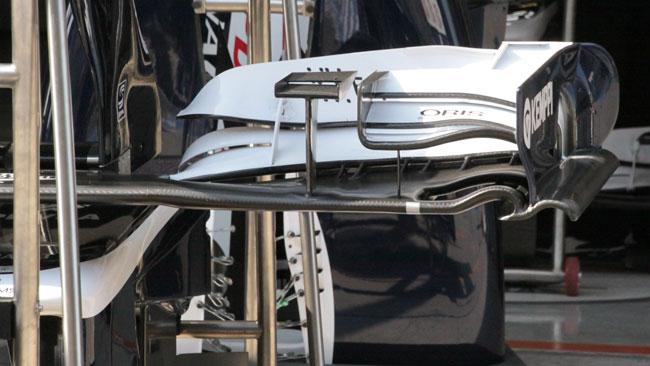 La Williams ha modificato l'ala anteriore