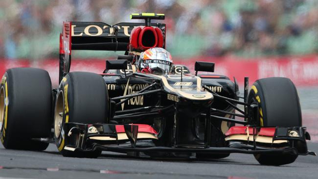 Sulla Lotus di Grosjean flette il fondo: è irregolare?
