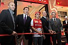 Felipe Massa apre il Ferrari Store a Kuwait City